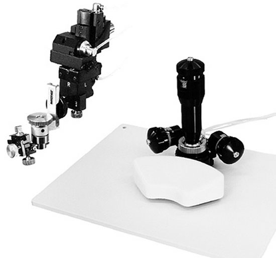 Three-Axis Joystick Type Oil Hydraulic Fine Micromanipulator