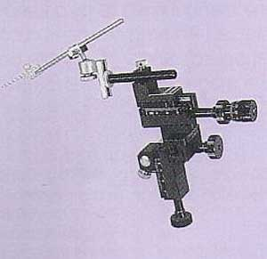Three-Axis Coarse/Fine Direct-Drive Micromanipulator