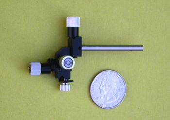 Three-Axis Compact Fine Mechanical Micromanipulator